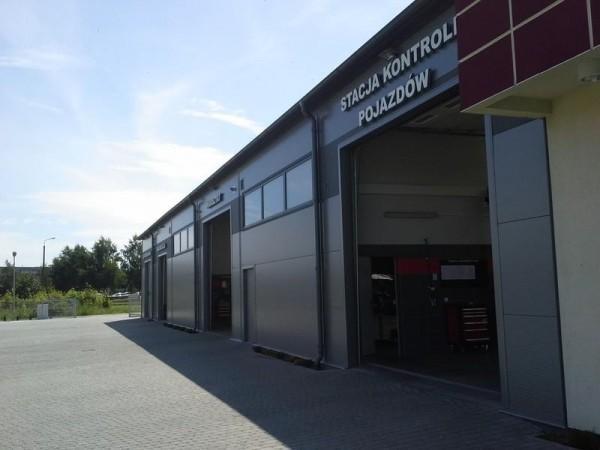 Stacja kontroli pojazdów auto dzienisz service budynek od strony garaży